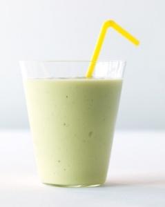 avocado-banana-smoothie-med107845_vert